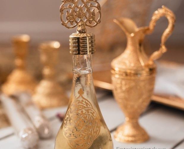 Fiole en verre dorée